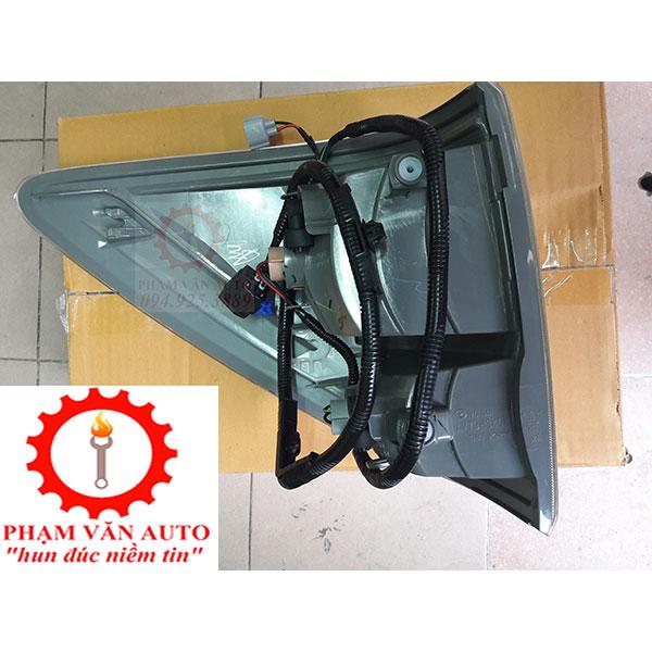 Đèn Hậu Miếng Ngoài Mazda BT50 Mã Sản Phẩm UC2B51150A