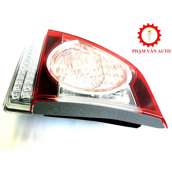 Đèn Hậu Miếng Trong Altis 2013 2.2 8159002330
