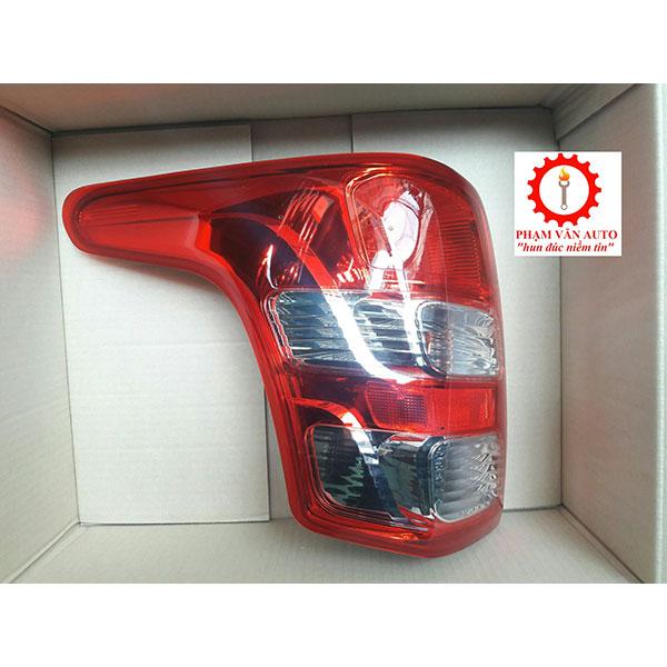 Đèn Hậu Bên Lái Mitsubishi Triton 8330A943
