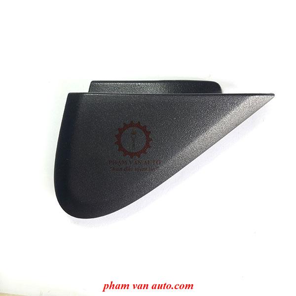 Ốp Tam Giác Góc Gương Mazda Bt50 UC2B51PB0B