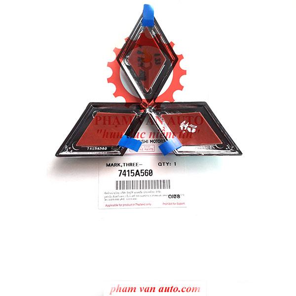 Logo Biểu Tượng Mặt Ca Lăng Mitsubishi Triton 7415A560 Chính Hãng