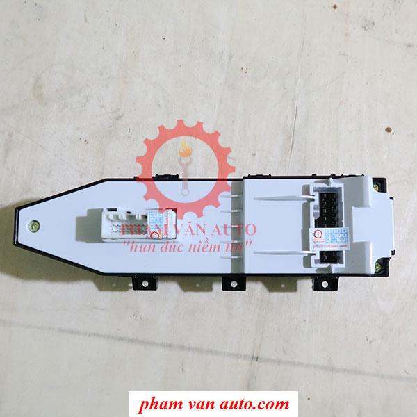 Công Tắc Lên Xuống Kính Tổng Hyundai Santafe 935702W020 Hàng Xịn Chính Hãng Giá Tốt Nhất